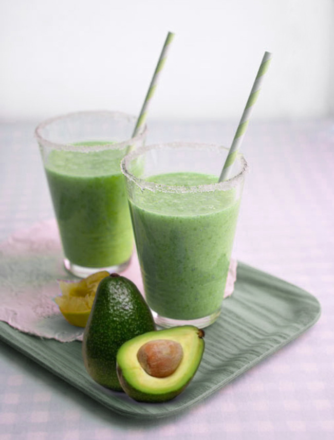 Avocado and Almond Smoothie - FoodCoach NYC